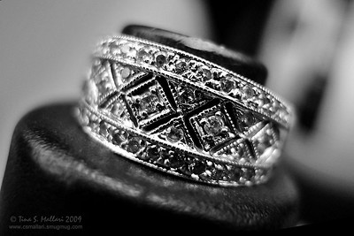 Antique style ring - B&W