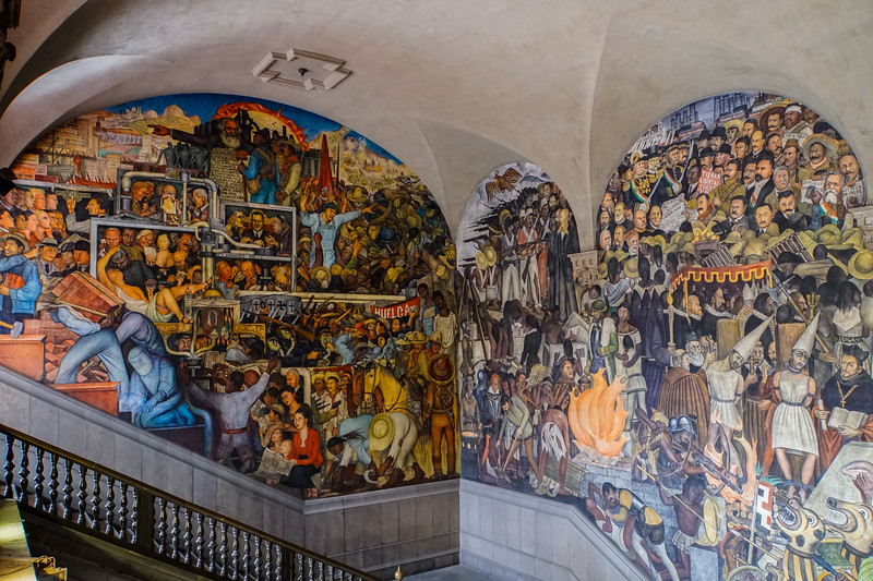 MEXICO'S HISTORY IN MURALS