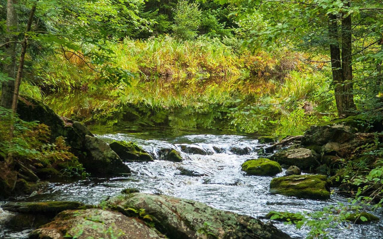 Reflecting Stream