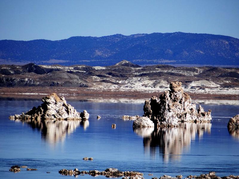 Mono Lake near Mammoth Lakes Calfornia