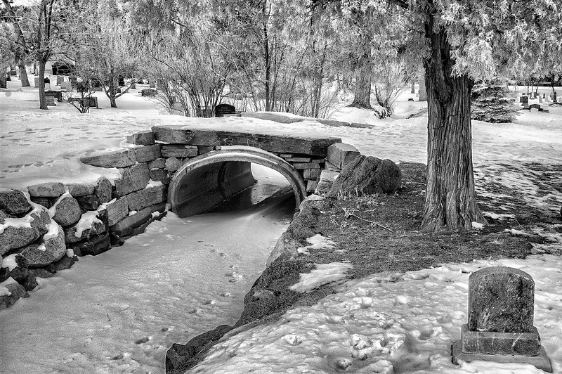 Anderson Ditch: Columbia Cemetery, Boulder