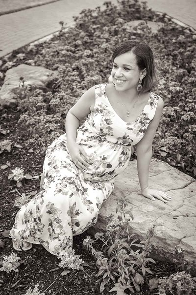 Maternity and pregnancy photographers in Katy and Houston, TX | Daria Ratliff photography