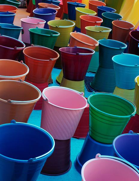 Buckets or cubos