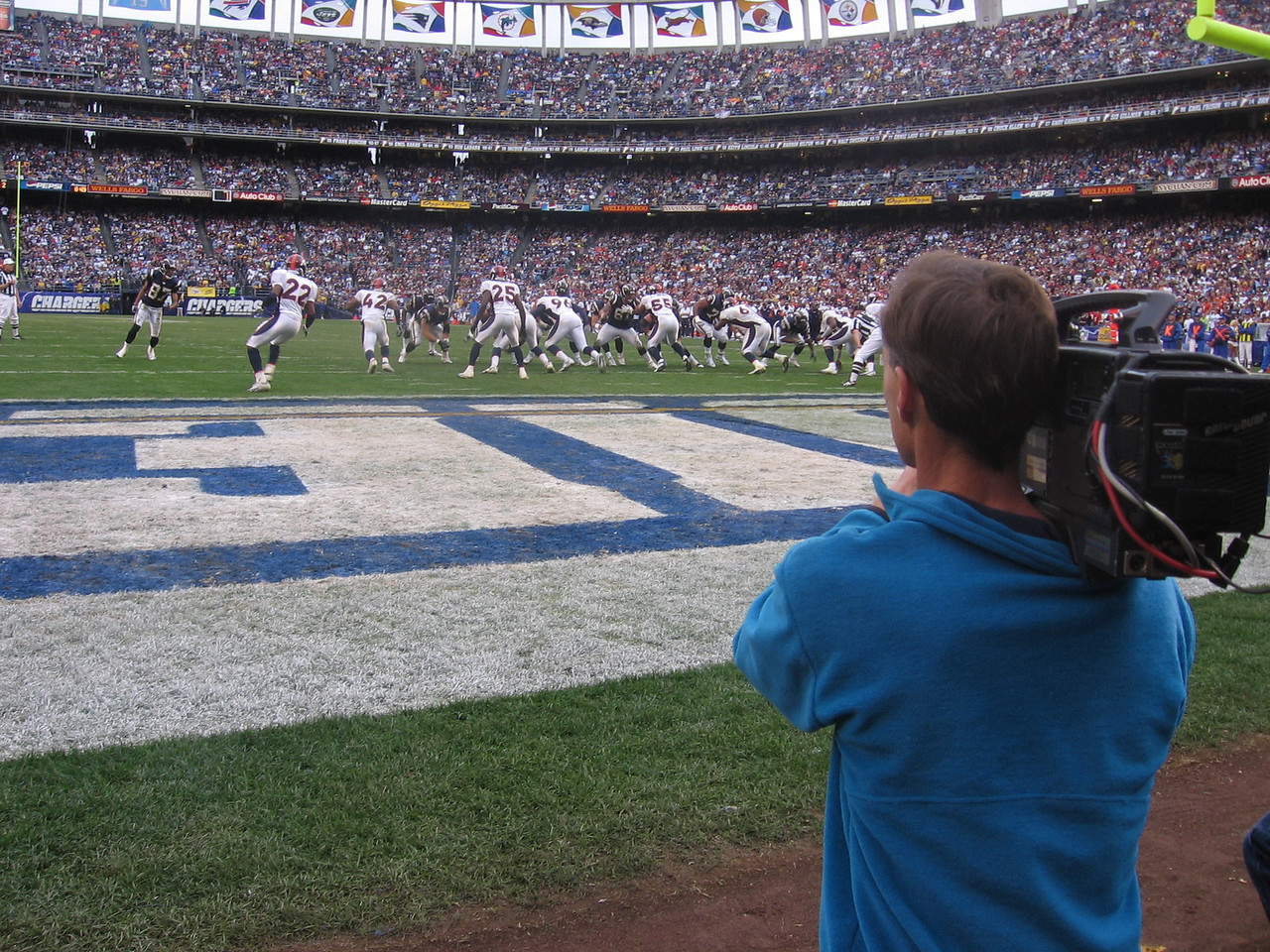 Another packed house at Qualcomm for a big game.