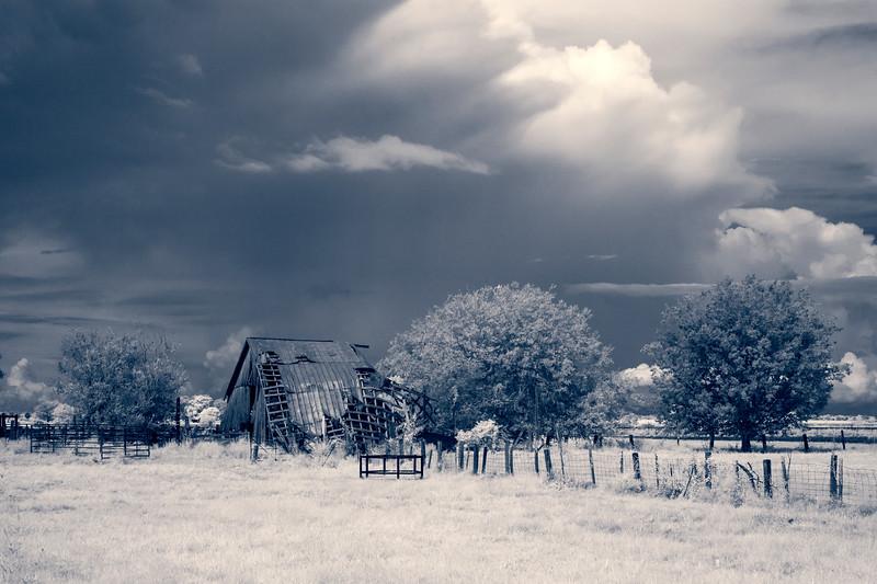 Barn in decline. Gone.