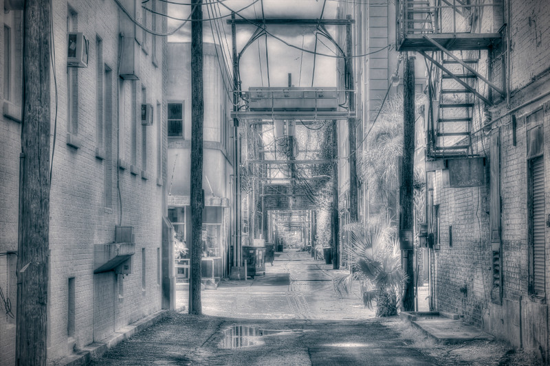 Alley between Post Office Street and Church Street in Galveston, Texas
