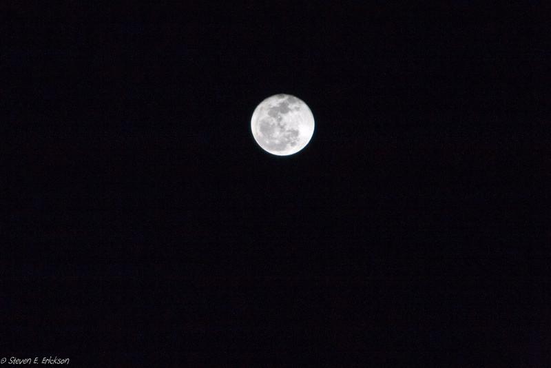 Shoot the Moon-6894
