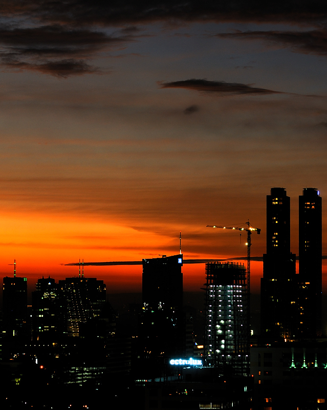 Sundown in Jakarta, 05Jan08.