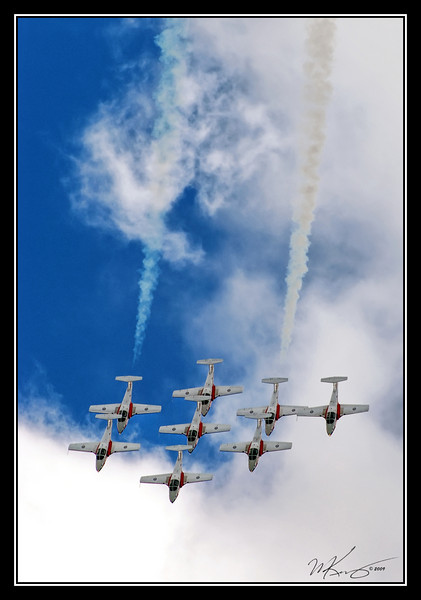 Snowbirds Complete A Loop
