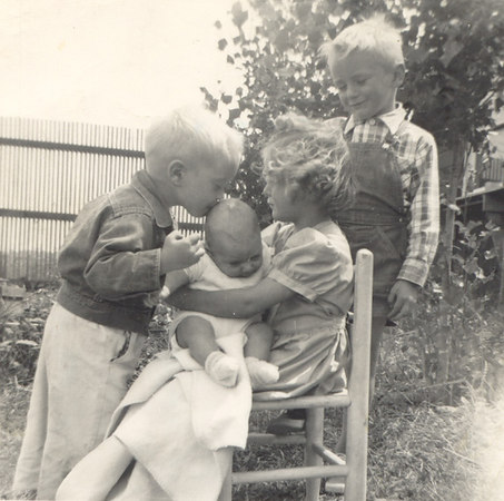 A TENDER KISS<br /> A SWEET SMILE<br /> A NEW BABY BROTHER<br /> March 1953