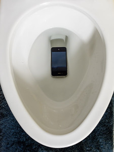 iPhone in Toilet