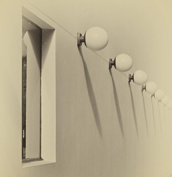 WPP2407  THE MORSE MUSEUM WALLOF LIGHTS