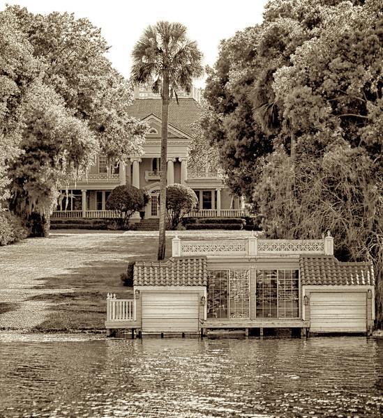 WPP2411  BREWER -TRISMAN HOME ON LAKE OSCEOLA