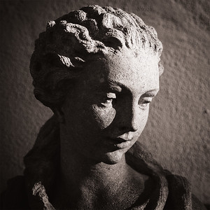 Closeup of a female sculpture's head in Scottsdale, AZ.