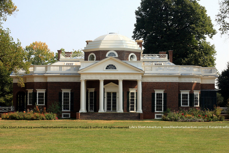 "Monticello in Charlottesville, Virginia. Home of Thomas Jefferson.  <br /> More info at  <a href=""http://blog.arabx.com.au/?p=851"">http://blog.arabx.com.au/?p=851</a>"