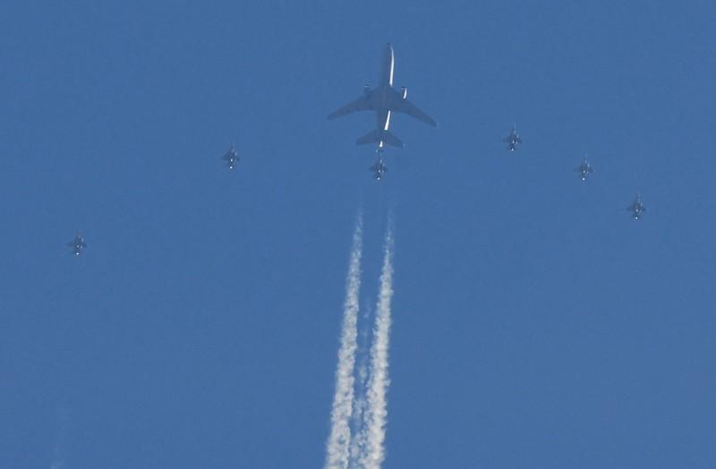 767 Tanker, Over Wichita, Ks. 02/08