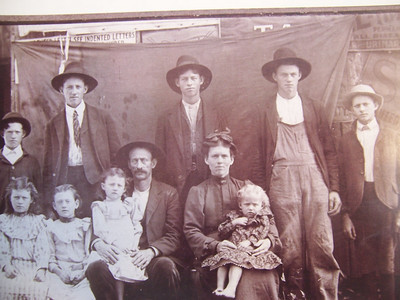 Moretz, Houck, Lewis Family