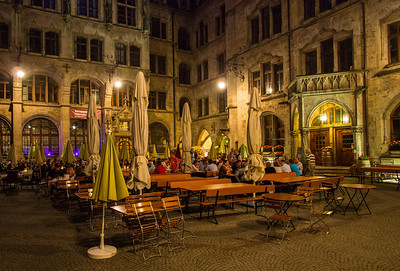 Restaurant inside the Rathaus, Munich