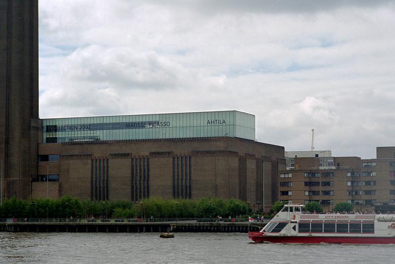 Tate Modern, 2002