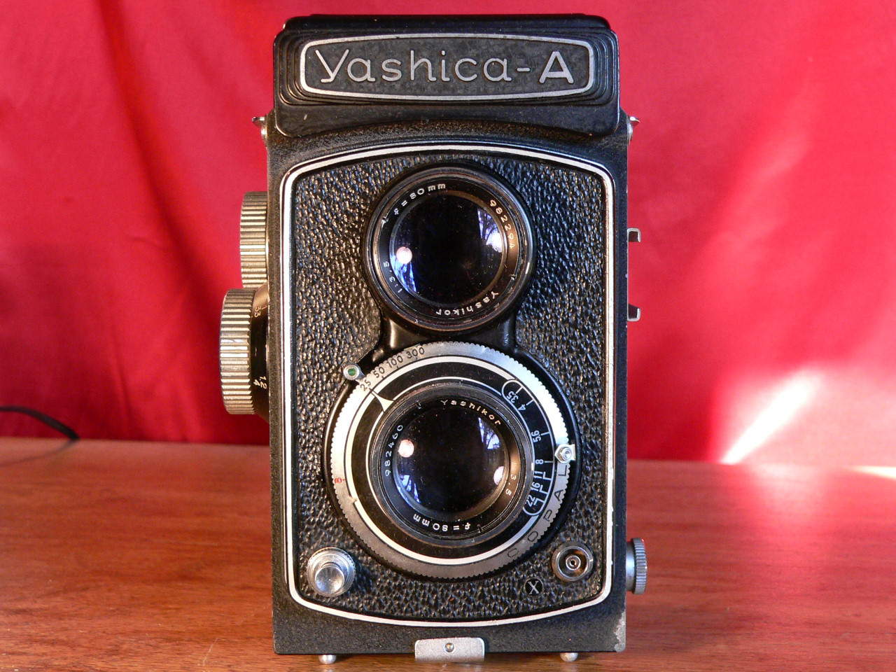 Yashica A TLR 120mm Roll Film Front View (1958]