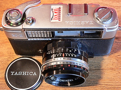 Yashica MII [AKA Minster 2] 35mm Rangefinder Top View (1962)