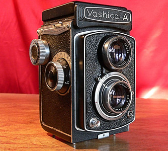 Yashica A TLR 120mm Roll Film Side View (1958]