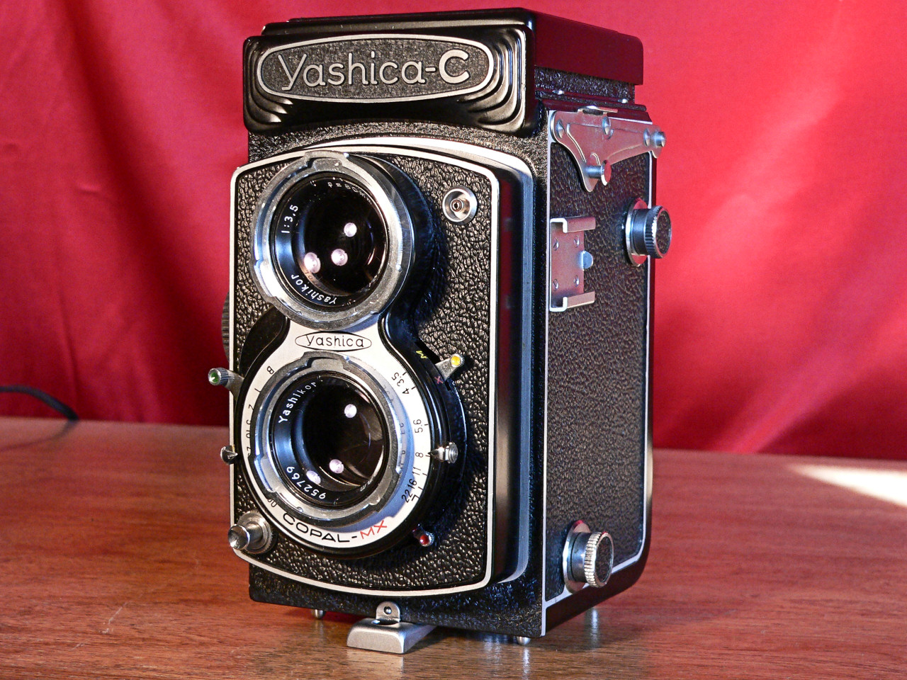 Yashica C TLR 6x6 Medium Format 120mm Roll Film Left Side View (1957-1958]