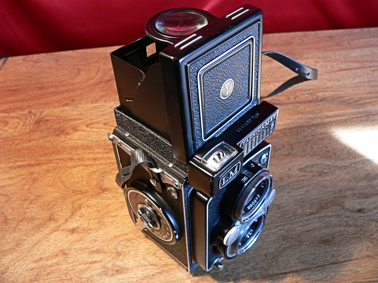 Yashica Mat LM TLR 6x6 Medium Format 120mm Roll Film Top-Right View (1958-1960]