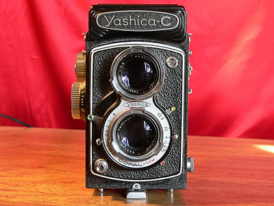 Yashica C TLR 6x6 Medium Format 120mm Roll Film Front View (1957-1958]