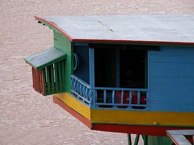 Mekong houseboat