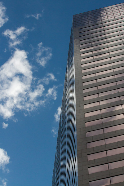 The sky reflects in the US Bancorp Tower