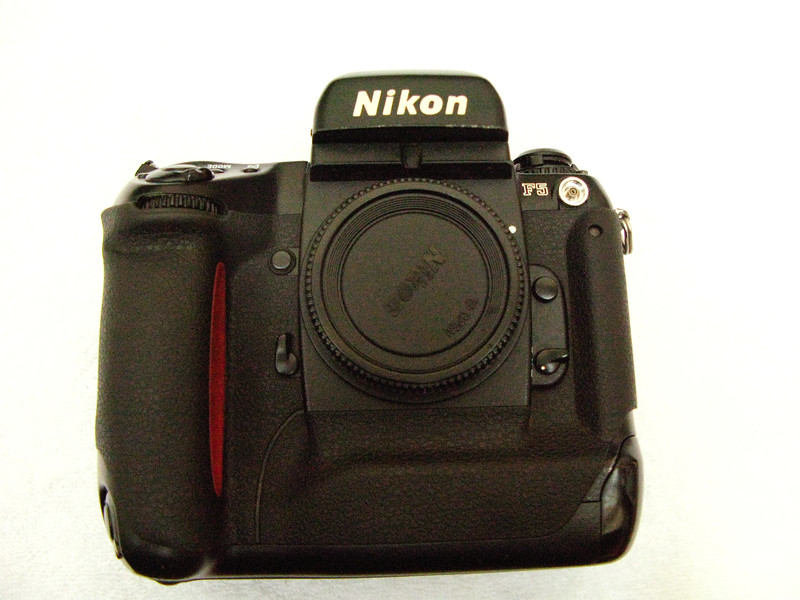 My first pro SLR buy - Nikon F5 ! Got it as soon as it was released and did a lot of my film photography with it. Still in very good condition, it stays in my dry cabinet resting.