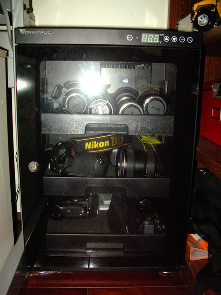 "Got this dry cabinet from Shanghai. Branded as ""Wonderful"", it serves my purpose and currently houses all my bodies and lenses (except the 600mm)."