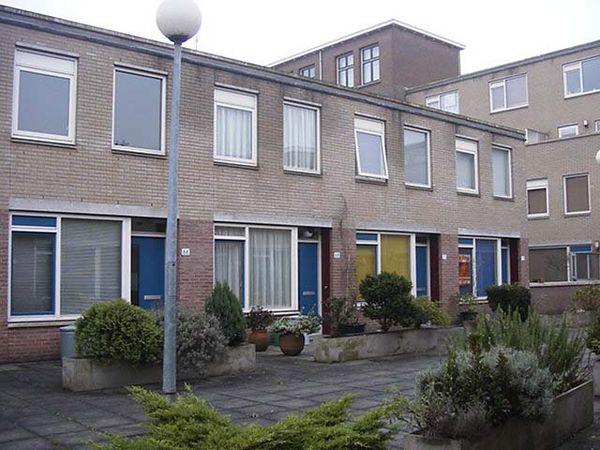 Den Haag, December 2002. The little court where I live.