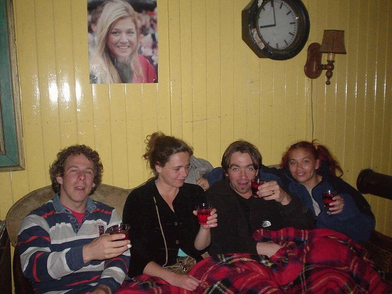 """Later that evening, in beach club """"<a href=""""http://www.clubkaravaan.nl/"""">de Karavaan</a>"""" on the Noorderstrand in Scheveningen, where Saskia, Juli, Harrald and I went for a nice evening around a bonfire"""