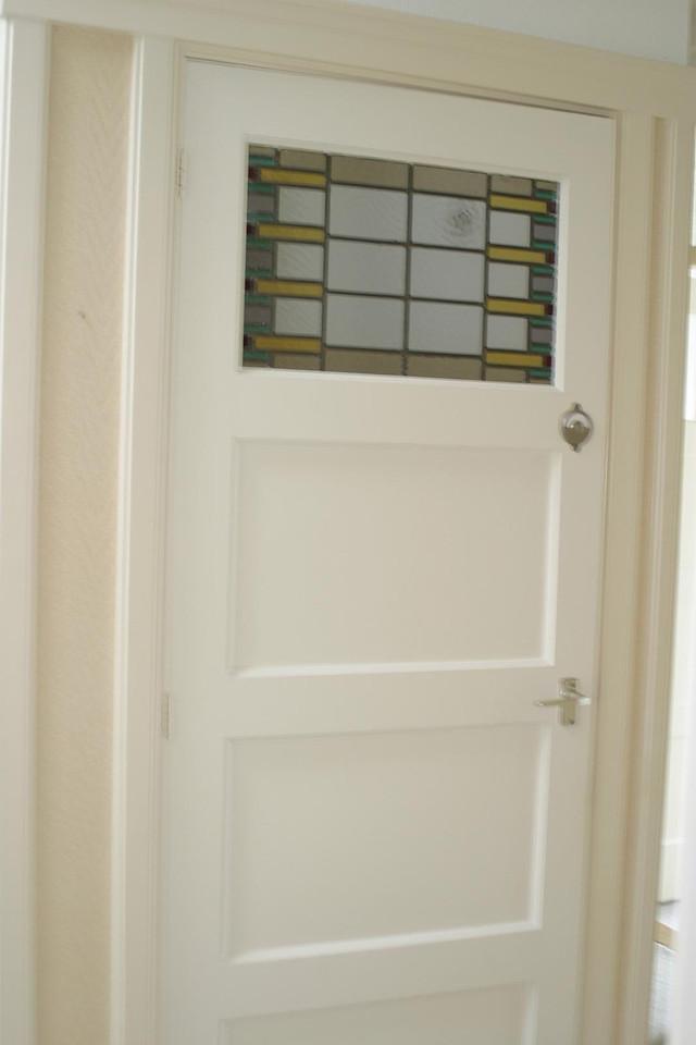 WC deur (met glas-in-lood)