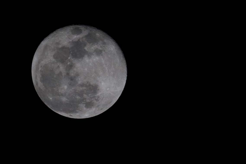 finally figured out how to expose the moon and get detail instead of a white blur