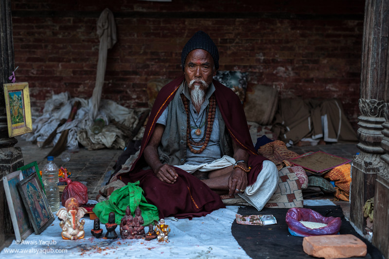 Murti seller in Kathmandu