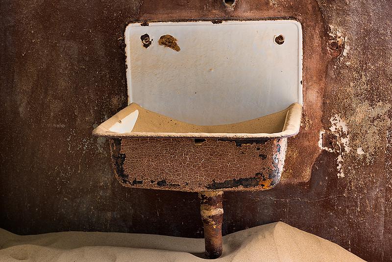 Nam 055 Wash Time, Kolmanskop, Namibia