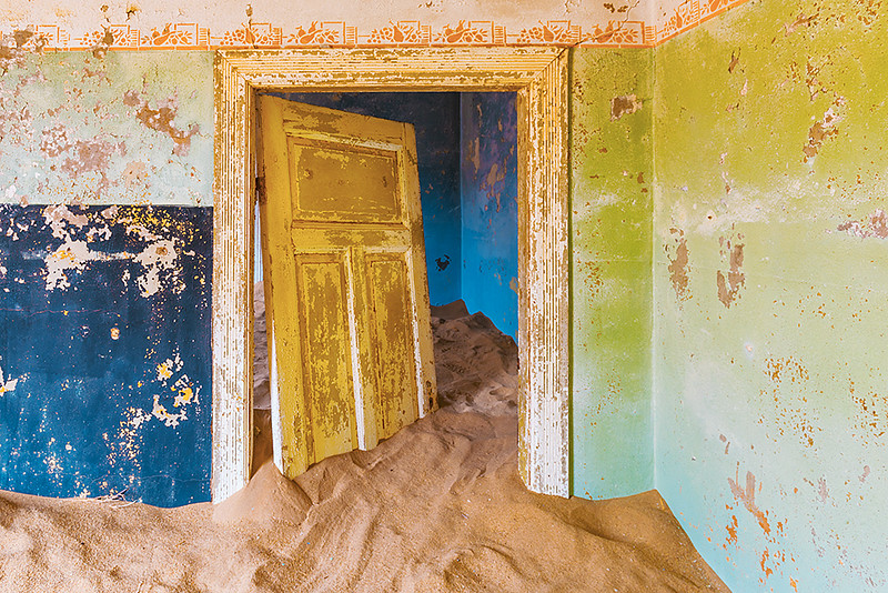 Nam 063 Blue and Green, Kolmanskop, Namibia