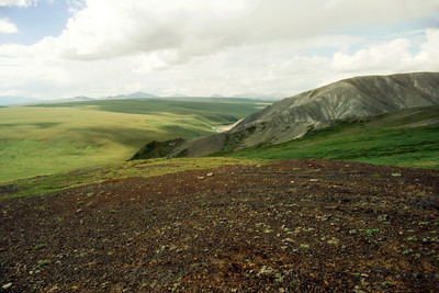 North America, USA, Alaska, ANWR, Sadelrochits, from Kekiktuk River ridge and Kekiktuk River in center