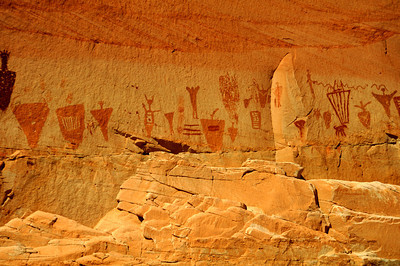 Horseshoe Shelter Close-up, mixed pictograph figures, Horseshoe Canyon, Canyonlands National Park