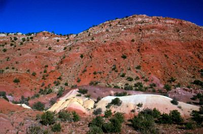 House Rock Road Colored Hills en route to Wave