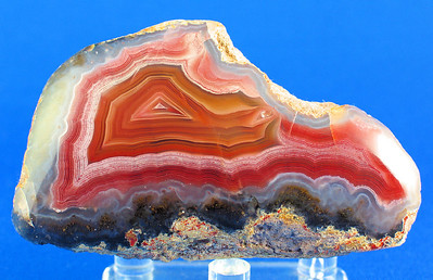 4.5oz Laguna Agate; 7.5cm x 4.5cm x 3.3cm.  Purchased from Scott Wolter sometime between 1996 & 1998. See  http://www.lakesuperioragate.com