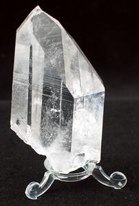 Quartz crystal; 7x 3.7x 2 cm