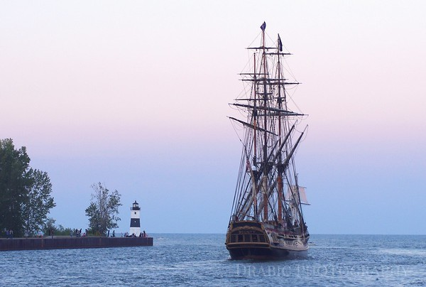 HMS Bounty motoring through The Erie Channel