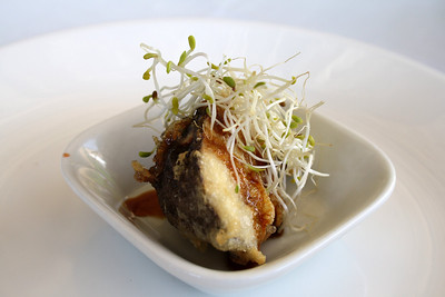 Shitake Tempura (Fried Sihatke Mushroom with beansprout) Tahini - Puerto de Portals Nous / Mallorca