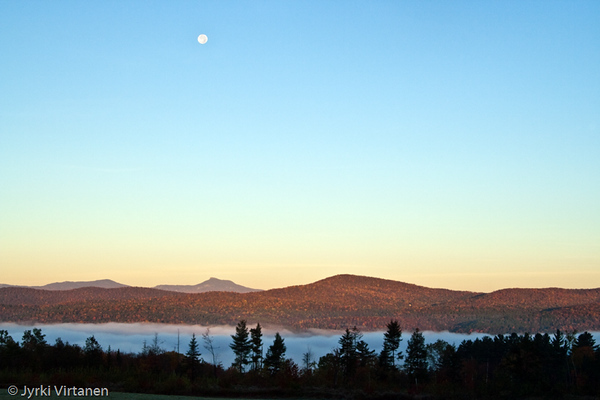 Setting Moon - Montpelier, VT, USA