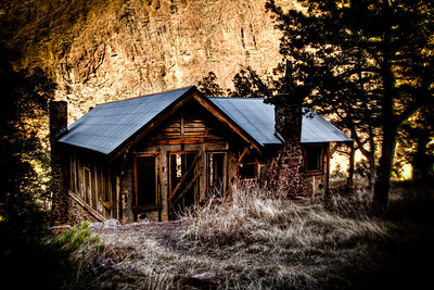 HDR-DRIPPING SPRINGS CABIN
