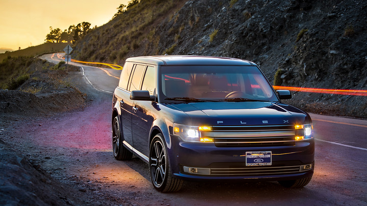 Ford Flex on a roadtrip along Hwy 1 through Big Sur